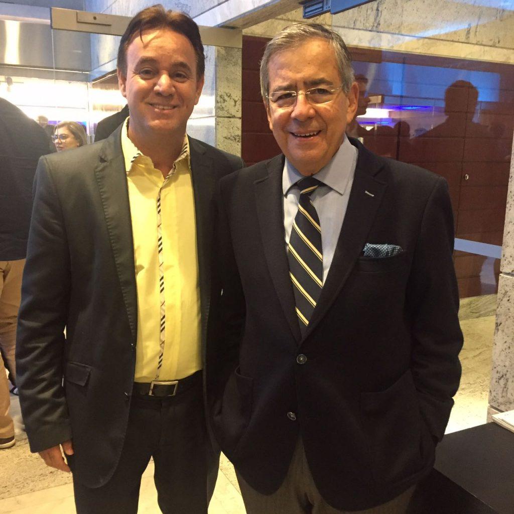 Celebridades como Paulo Henrique Amorim, fizeram homenagens à Adilson Barroso