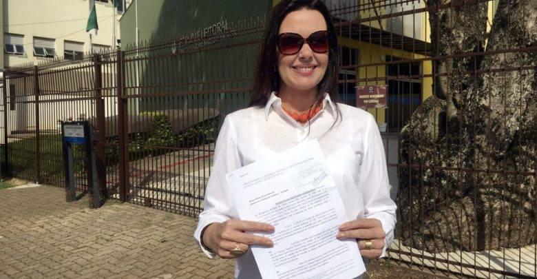 """Cássia Freire é presidente da ONG ponta-grossense """"Instituição Solidária"""""""