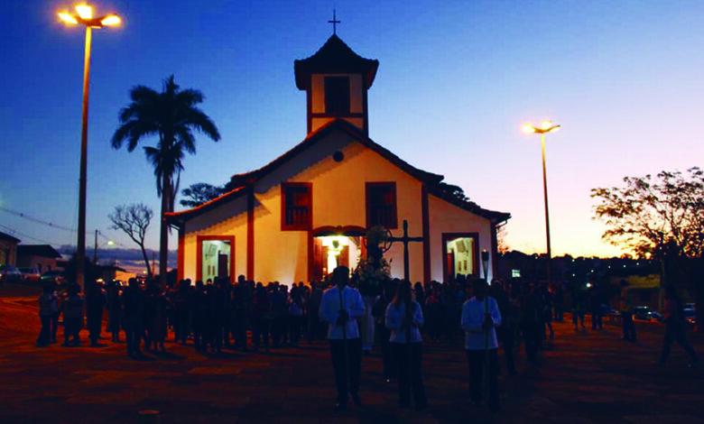 A procissão da Paróquia de Sant'Ana, em Coromandel. (Foto extraída do https://www.diocesedepatosdeminas.org.br postada em 29/07/2019 por Artur Brandão)